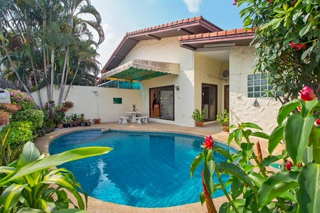 pattaya house with swimming pool for sale
