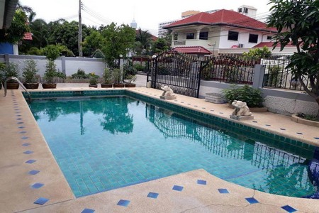 pool villa for rent in jomtien pattaya